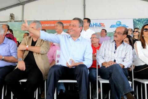 Governador assina ordem de serviço da duplicação da BR-415. Imagem: Pedro Moraes/GOVBA.
