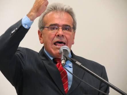 ex-prefeito de Teixeira de Freitas João Bosco Bitencourt.