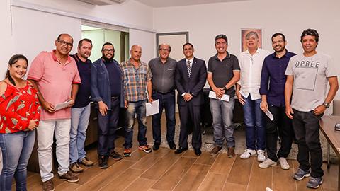Assinatura do TAC com MP e Outdoors. Imagem: Clodoaldo Ribeiro/SECOM-Ilhéus.