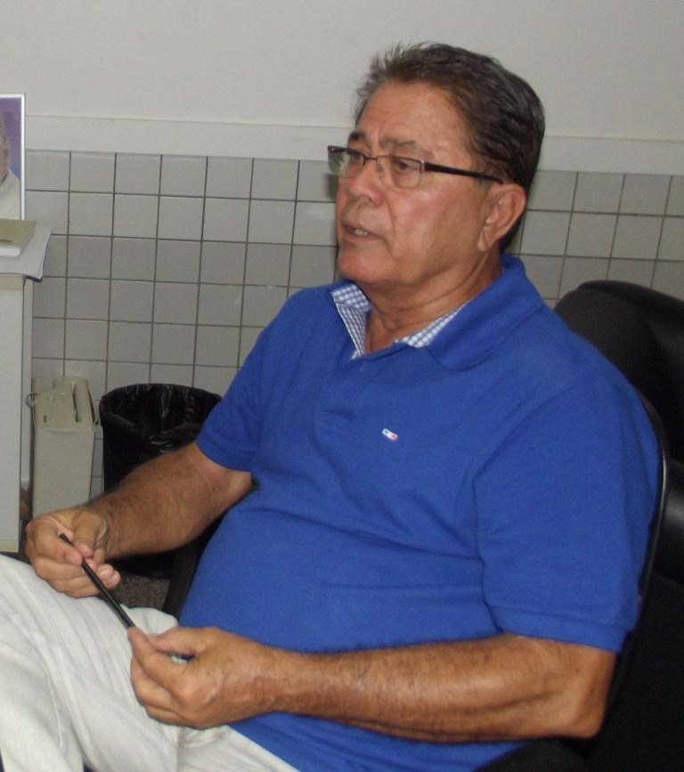 Prefeito Almir Melo.