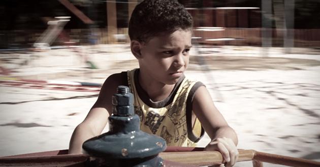 Imagem do curta Amarelinha.