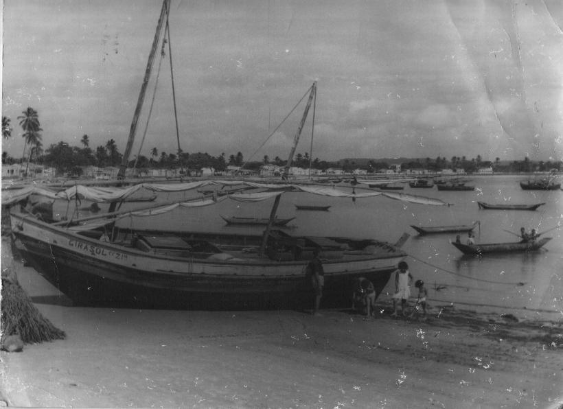 Baía do Pontal - essa é uma das mais de 400 imagens do livro.