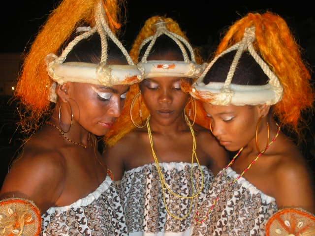Meninas do Balé Afro Dilazenze, um dos inúmeros projeto do grupo.