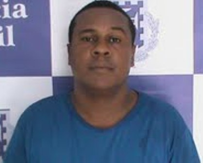 Carlos Santos.