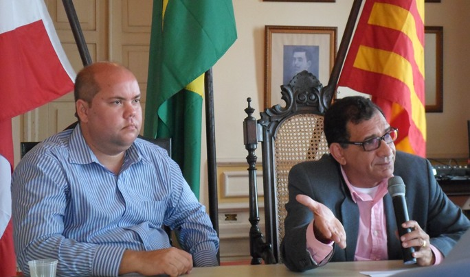 Vice-Prefeito Cacá Colchões e Prefeito Jabes Ribeiro. Imagem: Thiago Dias/Blog do Gusmão.