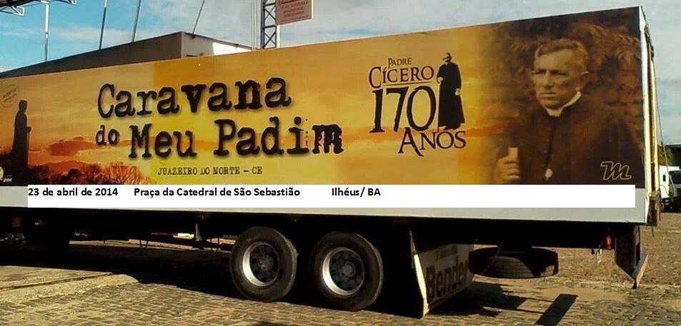 Esse caminhão é o museu móvel que transporta as relíquias do Pade Cíço.