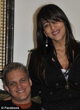 Carlos e  Katia Wanzeler. Imagem publicada no Facebook.