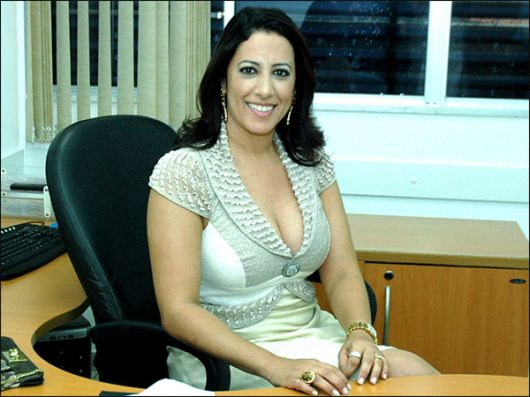 Prefeita Cláudia Silva Oliveira.