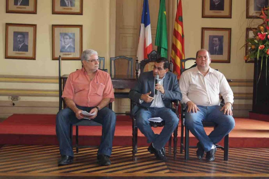 """Jabes entre Paixão Barbosa e Cacá Colchões: """"tudo será como antes amanhã""""."""