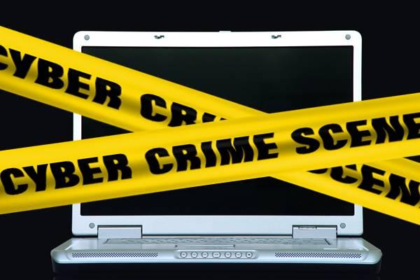 Crime cibernético é o delito praticado nos ambientes digitais de convívio.