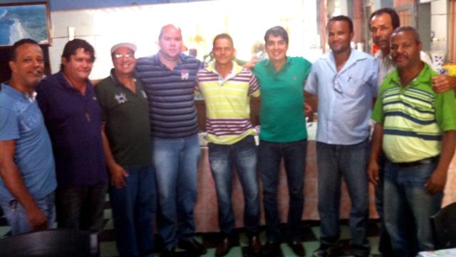 O deputado conversou com o vice-prefeito Cacá e outros agentes do PMDB.