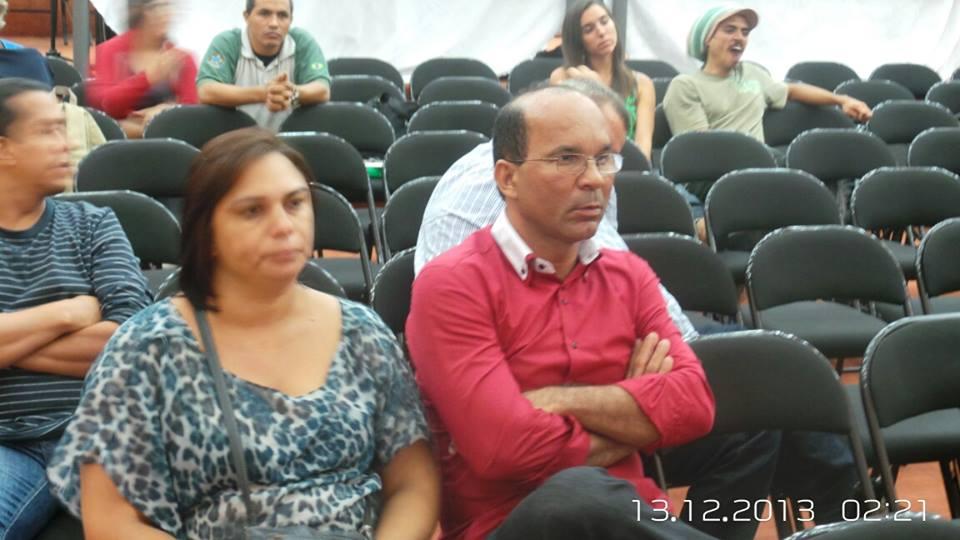 O vereador Dero (PT) é o único agente político de Ilhéus que ainda acompanha a audiência pública do Porto Sul.