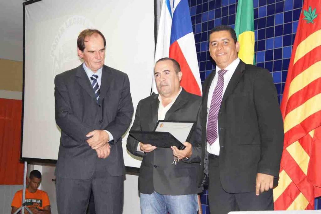 Médico ortopedista Jorge Matos. Reconhecido pelos grandes serviços prestados ao SUS.