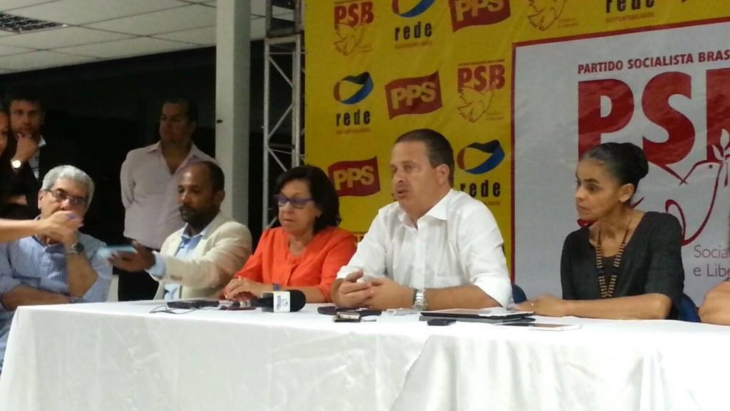 Bebeto Galvão, Lídice da Mata , Eduardo Campos, Marina Silva e Eliana Calmon durante a coletiva.