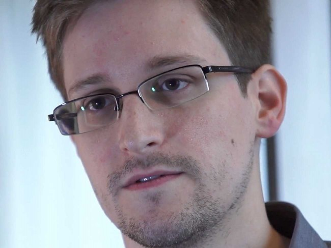 Edward-Snowden-Hired-For-Job-In-Russia-650x487