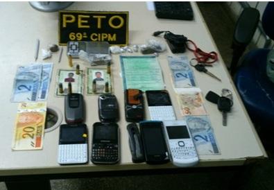 Material apreendido pela polícia (Foto: Polícia Militar)