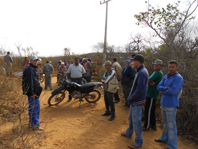 Moradores impediram funcionários da Bamin de desmatar vegetação que protege rios.