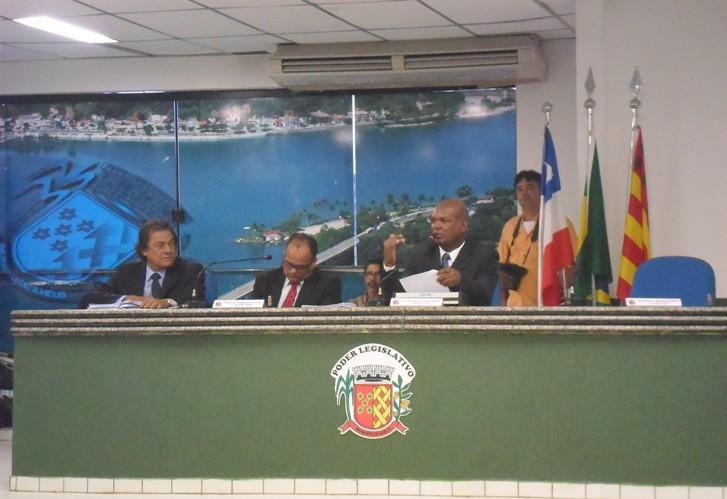 O ex-prefeito Newton Lima participou da sessão em que suas contas foram rejeitadas. Foto: Thiago Dias/Blog do Gusmão.
