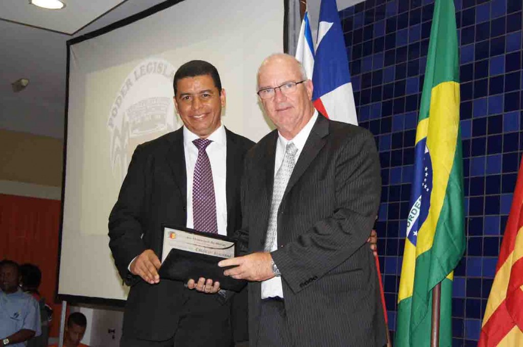 O empresário Nelson Freire, proprietário do Ecoresort Tororomba, é um dos poucos empresários do ramo hoteleiro que separa os resíduos sólidos gerados no seu empreedimento. O título foi proposto pelo vereador Fabio Magal (PSC).