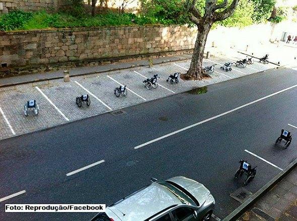 O protesto dos cadeirantes. Fonte: Facebook.