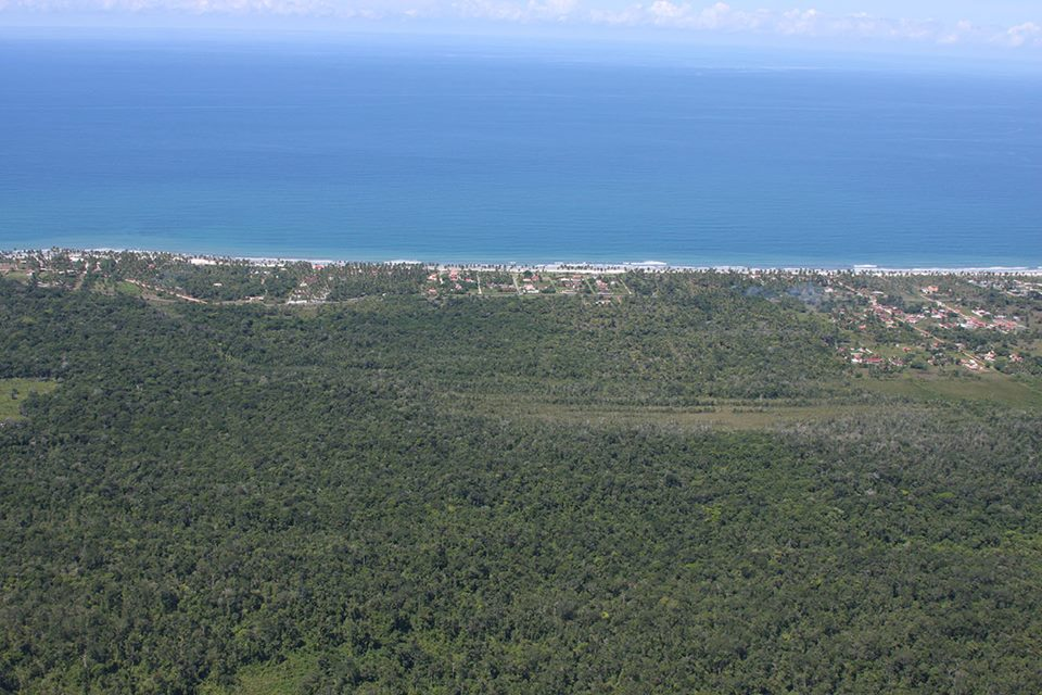 Parque Estadual Ponta da Tulha. Imagem aérea de José Nazal.