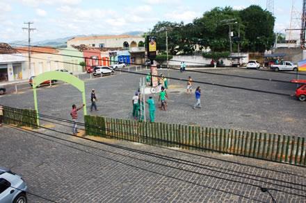 Vila Junina acontece na Praça Duque de Caxias (foto: Andre Oliveira)