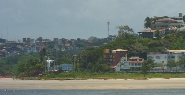 Segundo pescadores, depois do acidente, a Constran retirou estrutura instalada na Praia do Cristo.