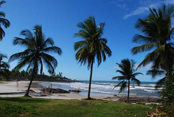 Praia do Batuba, em Olivença. Foto: Ilheus.blog.br.
