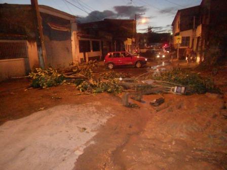 Moradores bloquearam a Avenida Princesa Isabel.