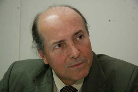 Reitor Naomar Almeida.