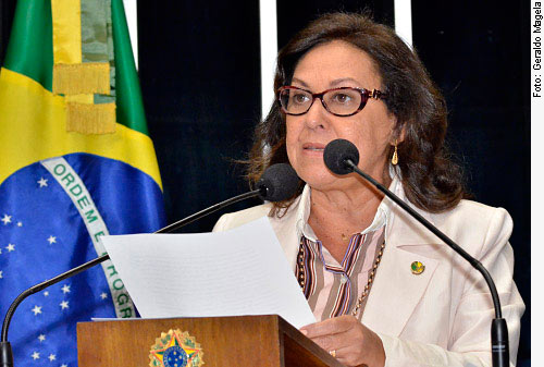 Senadora Lídice da Mata, autora da proposta.