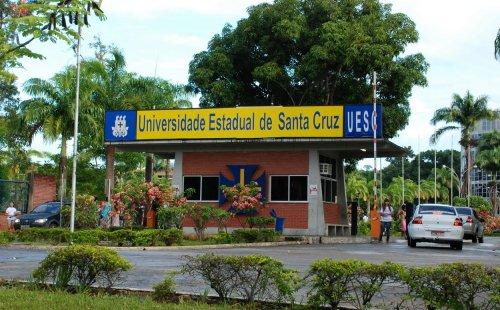 """Segundo a ADUSC, o """"pacote de maldades"""" do governo Rui Costa ameaça as universidades públicas da Bahia."""