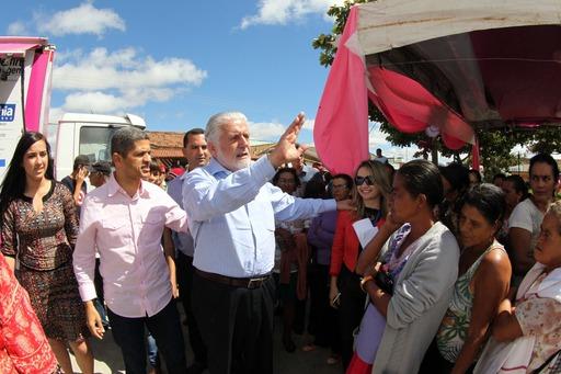 Governador visitou o Programa de Rastreamento do Câncer de Mama, em Planalto. Foto: Manu Dias.