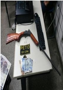 Arma apreendida pela Polícia Militar.