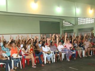 Professores se reuniram nesta manhã. Foto: Ascom/APPI.